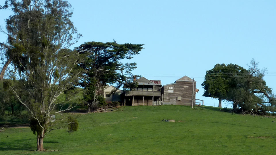 Old farmhouse overlooking the Great Alpine Road near Ensay, East Gippsland, Victoria