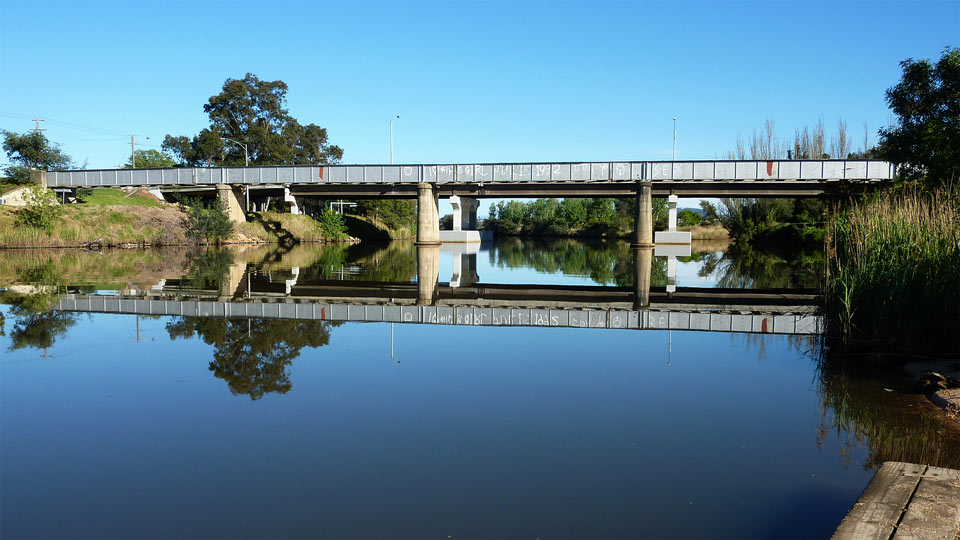 Mitchell River Bridge in Bairnsdale